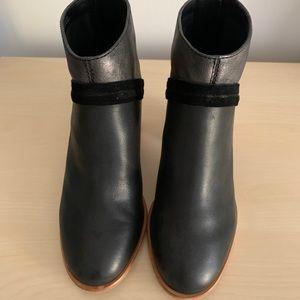 Frye woman's booties size 7